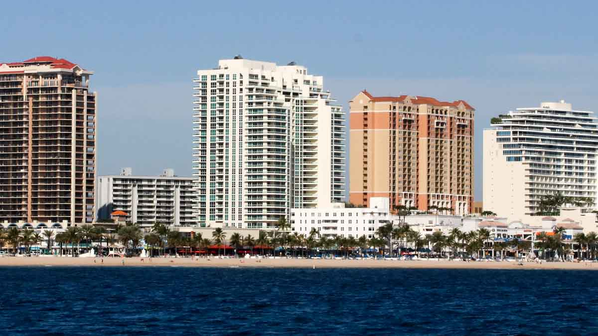 Las Olas Beach club